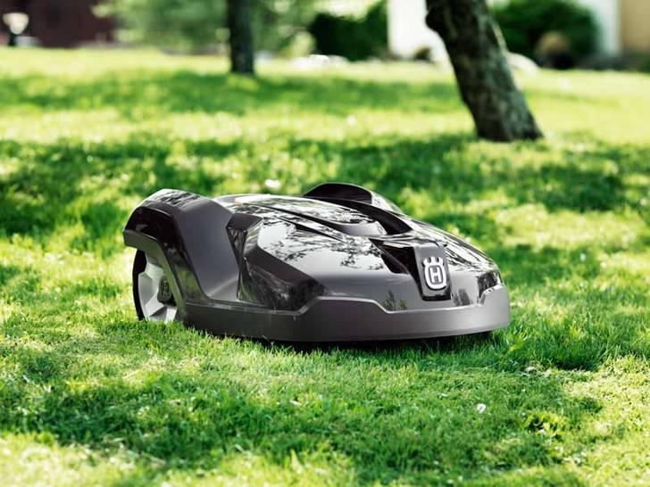 ivo grandi seka ky benzinov elektrick aku ru n husqvarna automower 315 automatick. Black Bedroom Furniture Sets. Home Design Ideas